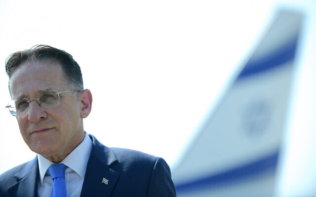 Cabinet secretary Tzachi Braverman attends a ceremony at the Ben-Gurion Airport near Tel Aviv, August 31, 2020. (Tomer Neuberg/Flash90)