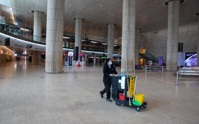 The almost empty arrival hall at the Ben Gurion International Airport near Tel Aviv on February 28, 2021. (Yossi Aloni/Flash90)