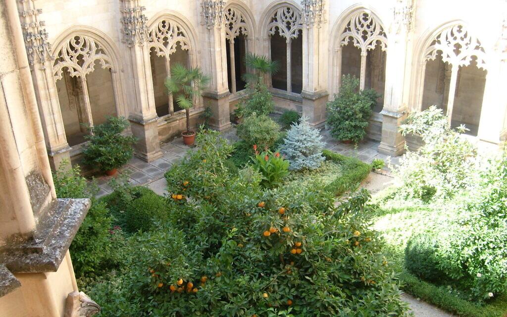 A courtyard in Granada, Spain. (Courtesy Marjorie Sandor)