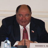 Boris Spiegel speaks during a meeting of the Civic Chamber of the Russian Federation in Yaroslavl, Russia, on November 28, 2011. (JTA/ Public Chamber of the Yaroslavl Region)