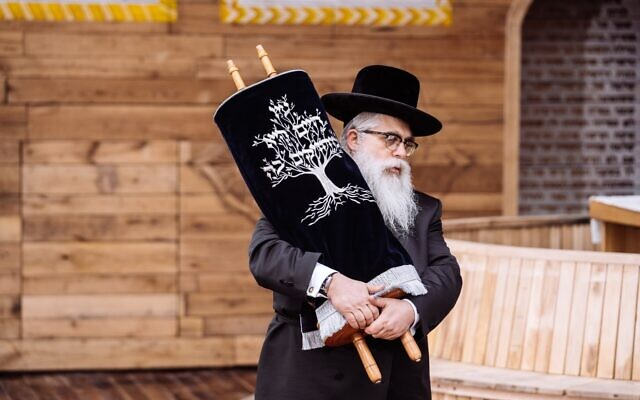 Kyiv Chief Rabbi Yaakov Dov Bleich leads the memorial ceremony and inauguration of a symbolic synagogue at the site of the Babyn Yar Nazi massacre, April 8, 2021. (Courtesy/Babyn Yar Holocaust Memorial Center)