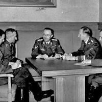 (L-R) Franz Josef Huber, Arthur Nebe, Heinrich Himmler, Reinhard Heydrich and Heinrich Müller, planning the investigation of the bomb assassination attempt on Adolf Hitler in Munich, 1939. (Bundesarchiv, Bild 183-R98680/Wikipedia CC-BY-SA 3.0)