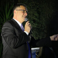 New Hope leader Gideon Sa'ar at a party event in Moshav Azaria, April 4, 2021. (Flash90)