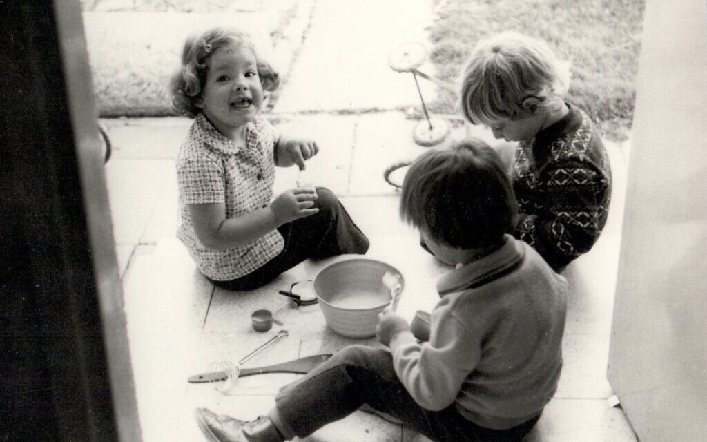 Ronit Plank (left) with other children at Kibbutz Lahav, Israel, 1975. (Courtesy)