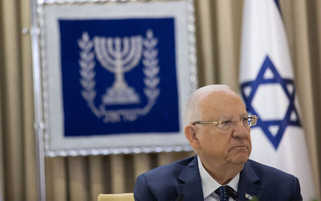 President Reuven Rivlin meets with the Yesh Atid party at the President's Residence in Jerusalem, April 5, 2021. (Yonatan Sindel/Flash90)