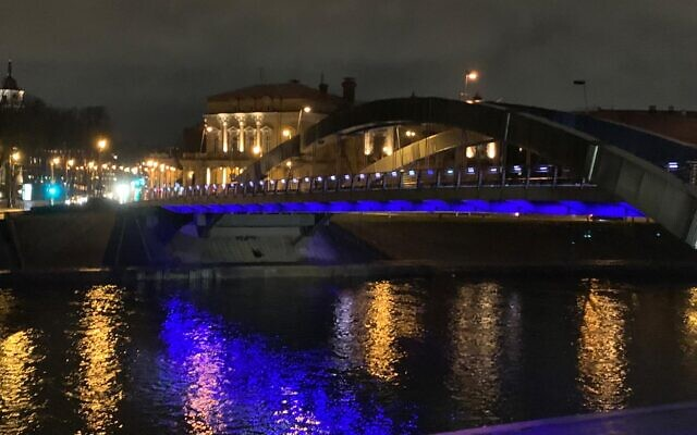 The four bridges in Vilnius, Lithuania lit up in blue and white in honor of Israel's Independence Day on April 14, 2021. (Foreign Ministry)