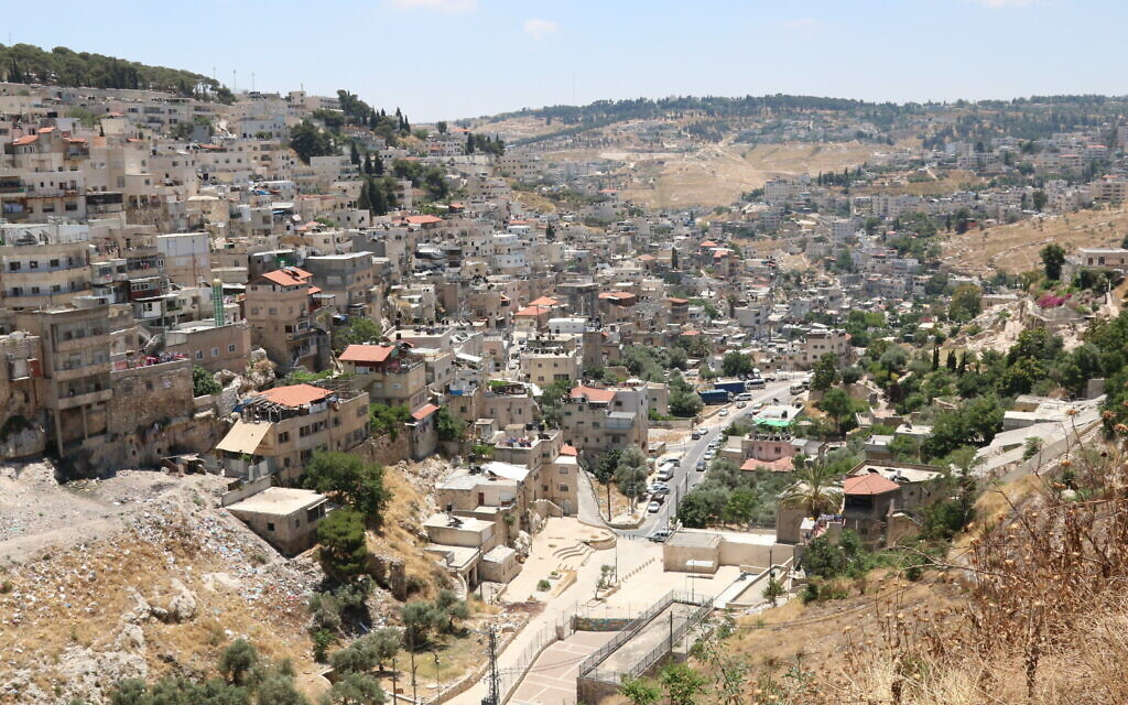 The two sides of the Kidron riverbed in Silwan. (Shmuel Bar-Am)