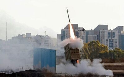 Israel's Iron Dome aerial defense system is launched to intercept a rocket launched from the Gaza Strip, above the southern city of Ashkelon, on May 17, 2021. (Ahmad Gharabli / AFP)