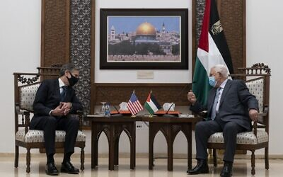 Secretary of State Antony Blinken (L) speaks with Palestinian Authority President Mahmoud Abbas on May 25, 2021, in the West Bank city of Ramallah. (Alex Brandon / POOL / AFP)