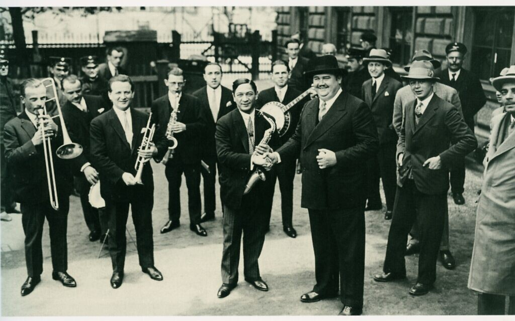 Billy Wilder, second from right, with Paul Whiteman and his band, 1926. (Courtesy/ Filmarchiv Austria)