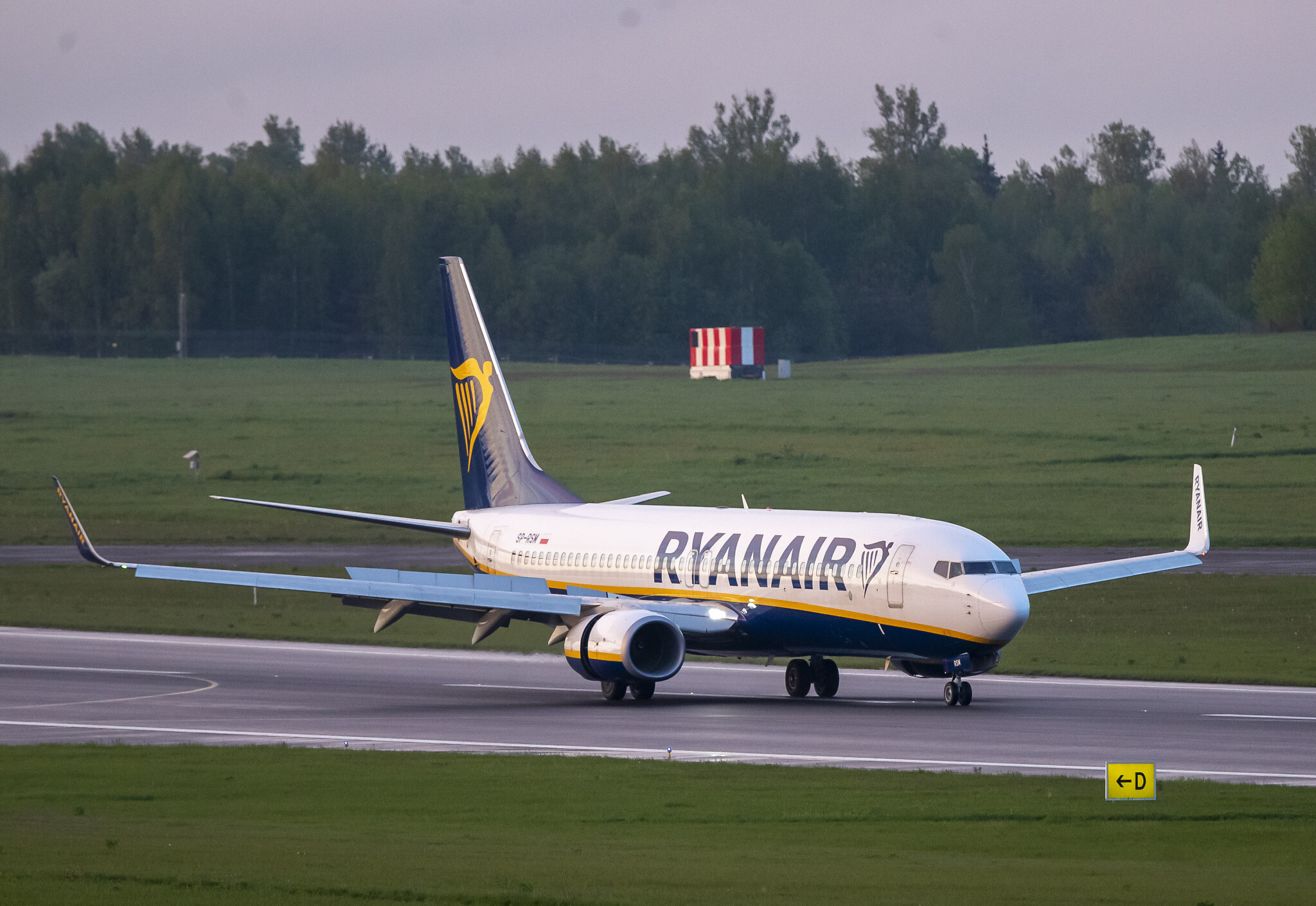 Lithuania, UK, Ukraine restrict flights from crossing Belarus airspace