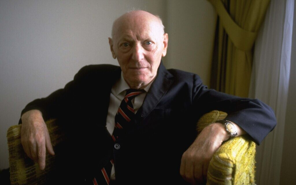 Nobel Prize-winning author Isaac Bashevis Singer, in his Miami Beach apartment, October 10, 1978. (AP Photo/Kathy Willens)