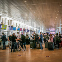 Travelers at Ben Gurion International Airport near Tel Aviv on April 18, 2021. (Yossi Aloni/Flash90)