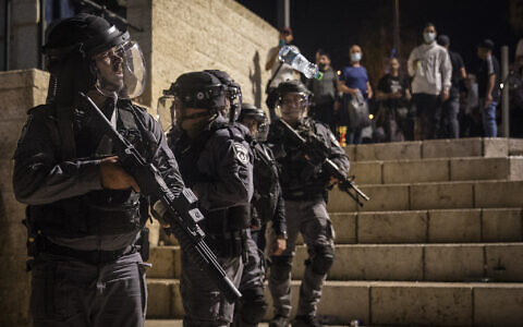 Israeli police officers seen during clashes with protesters at Damascus Gate in Jerusalem's Old City, May 8, 2021. (Olivier Fitoussi/Flash90)