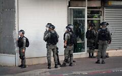 Border Police in Jaffa, near Tel Aviv, amid violent riots between Jews and Arabs across Israel. May 11, 2021. (Avshalom Sassoni/FLASH90)