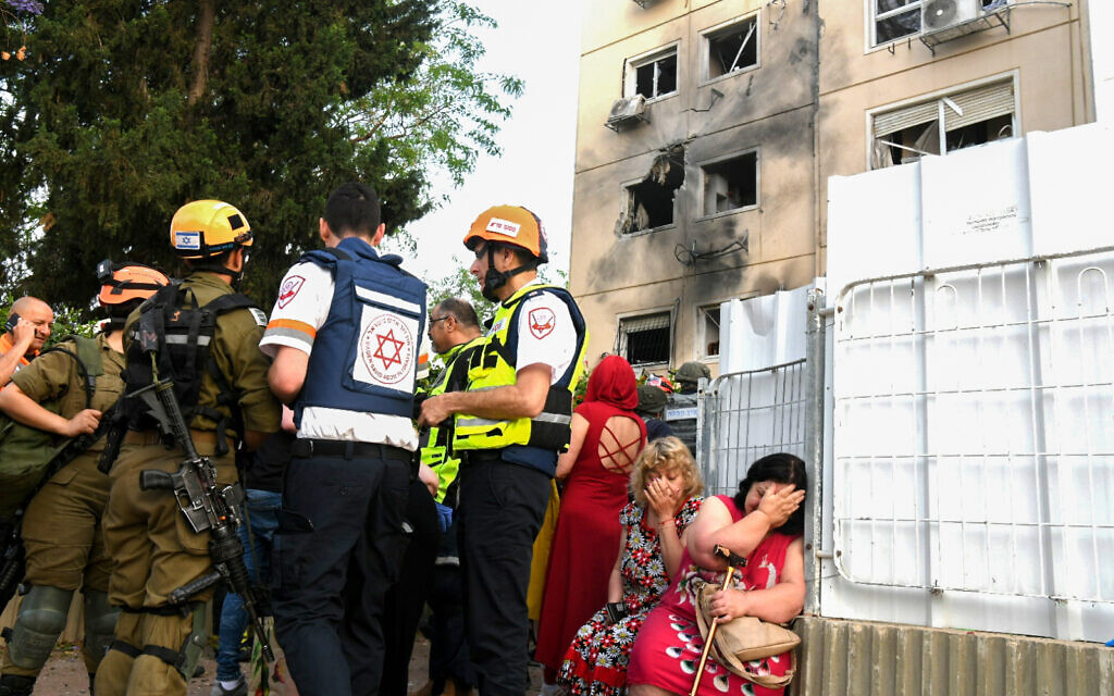 The scene where an apartment building was hit by a rocket fired from the Gaza Strip in Ashkelon, southern Israel, on May 11, 2021 (Flash90)