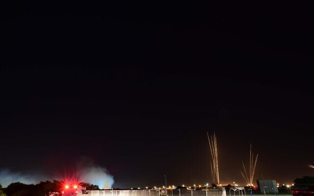 Rockets seen fired from the Gaza strip, into Tel Aviv and central Israel on May 11, 2021. (Tomer Neuberg/Flash90)