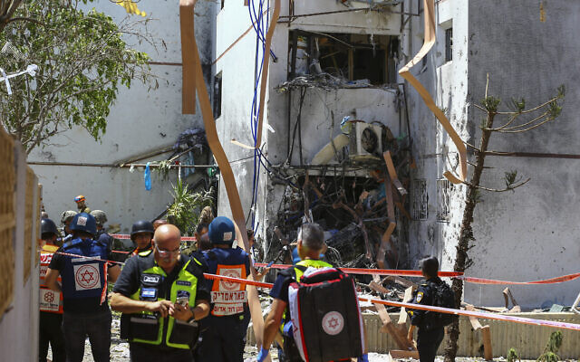 An Ashdod home hit by a rocket fired from the Gaza Strip on May 17, 2021 (Flash90)