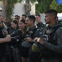 Prime Minister Benjamin Netanyahu meeting Border Police officers in the central Israeli city of Lod, May 13, 2021.(Kobi Gideon/GPO)