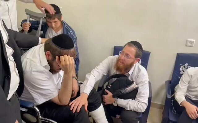 Rabbi Avigdor Hayut, left, and Rabbi David Levy, right, both lost their sons during the Meron tragedy in Israel over the weekend. (Screenshot)