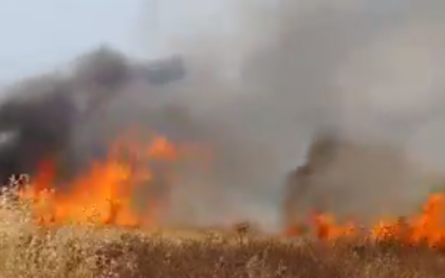 A field ablaze near the southern city of Sderot, May 9, 2021. (Screen capture: Twitter)