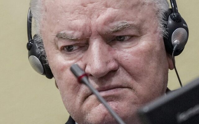 Ex-Bosnian Serb military chief Ratko Mladic sits in the defendant box at the International Residual Mechanism for Criminal Tribunals (IRMCT) in The Hague, June 8, 2021. (Jerry Lampen/ANP/AFP)