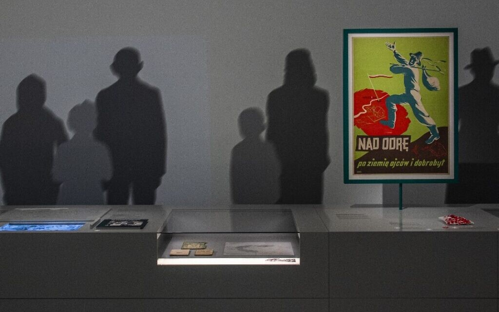 View of a poster dated 1946 exhorting Poles from central and eastern Poland to move to the newly acquired western territories at the 'Displacement and Expulsion of Germans' exhibition in the 'Documentation Centre for Displacement, Expulsion and Reconciliation' in Berlin taken on June 18, 2021 (John MACDOUGALL / AFP)