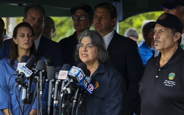 Miami-Dade County Mayor Daniella Levine Cava speaks during a press conference after a building partially collapsed in Surfside north of Miami Beach, Florida, on June 24, 2021 (Eva Marie UZCATEGUI / AFP)