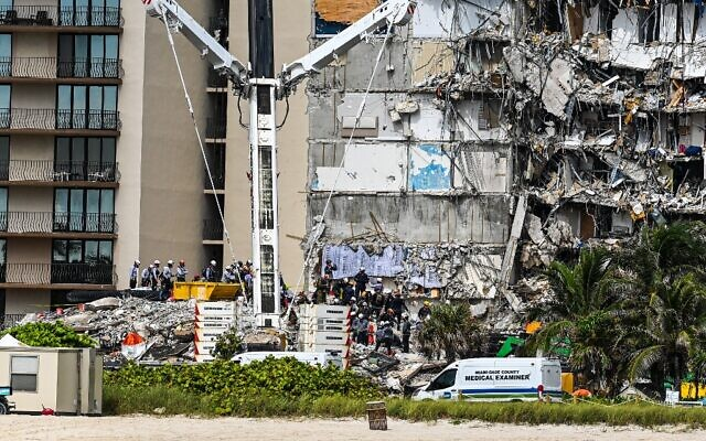 Condo board head warned of worsening structural damage weeks before collapse