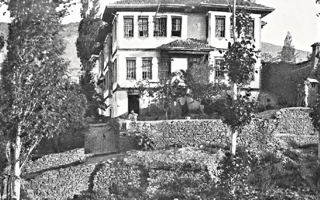 Upper House at Yozgad, where Jones held his first séances. (Sandes, 'In Kut and Captivity,' 1919)