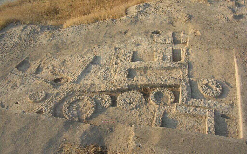 Tel Tsaf rounded silos. (Boaz Garfinkel/Hebrew University)