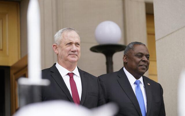 US Secretary of Defense Lloyd Austin (right) hosts an honor cordon welcoming Defense Minister Benny Gantz at the Pentagon in Washington on June 3, 2021. (AP Photo/Andrew Harnik)