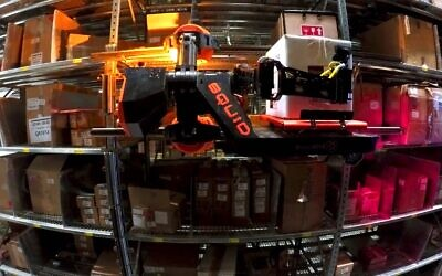 BionicHIVE's SqUID warehouse robot in action (BionicHIVE)