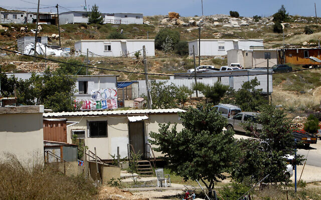 View of the Givat Asaf outpost, near the settlement of Beit El in the West Bank on May 15, 2014. (Miriam Alster/Flash 90)