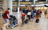 Travelers at the Ben Gurion International Airport, on June 20, 2021. (Yossi Aloni/FLASH90)