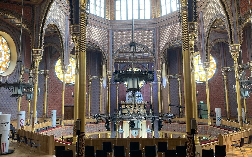 Interior of the Rumbach Synagogue, June 10, 2021. (Yaakov Schwartz/ Times of Israel)