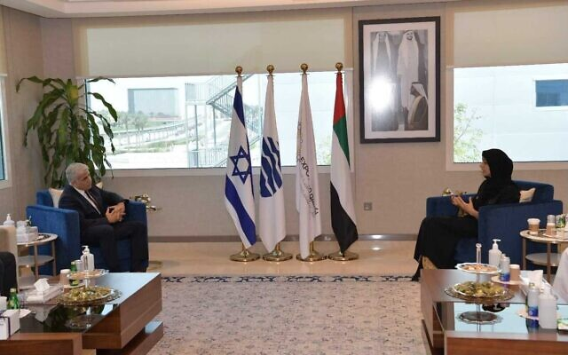 Foreign Minister Yair Lapid (L) meets the UAE's Minister of State for International Cooperation and Dubai Expo 2020 Director General Reem Al Hashimi, June 30, 2021. (Shlomi Amsalem/GPO)