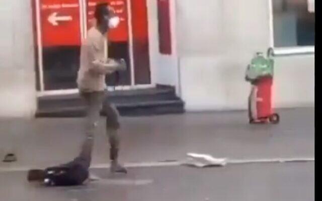 A knife-wielding man seen in the German city of Wuerzburg on June 25, 2021 (Screencapture/Twitter)