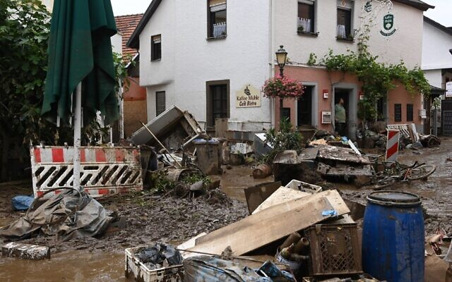This picture taken in Bad Neuenahr-Ahrweiler, western Germany, on July 16, 2021, shows piled up debris after heavy rain hit parts of the country, causing widespread flooding and major damage (CHRISTOF STACHE / AFP)