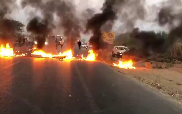 Protestors block roads over water shortages, in the province of Khuzestan, southwest Iran, on July 17, 2021. (Video screenshot)