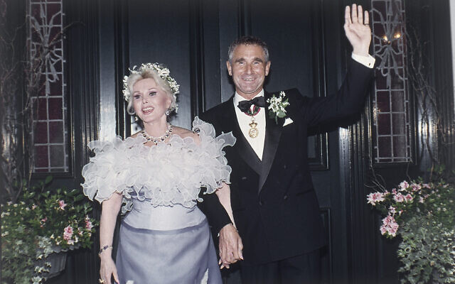 Zsa Zsa Gabor with her ninth husband Prince Fredrick von Anhalt at her home in the Bel Air section of Los Angeles after their wedding at an evening ceremony on August 14,1986. (AP Photo/Reed Saxon)