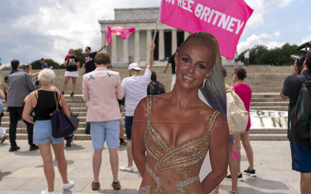 """Fans and supporters of pop star Britney Spears protest at the Lincoln Memorial, during the """"Free Britney"""" rally, on July 14, 2021, in Washington. (AP Photo/Jose Luis Magana)"""