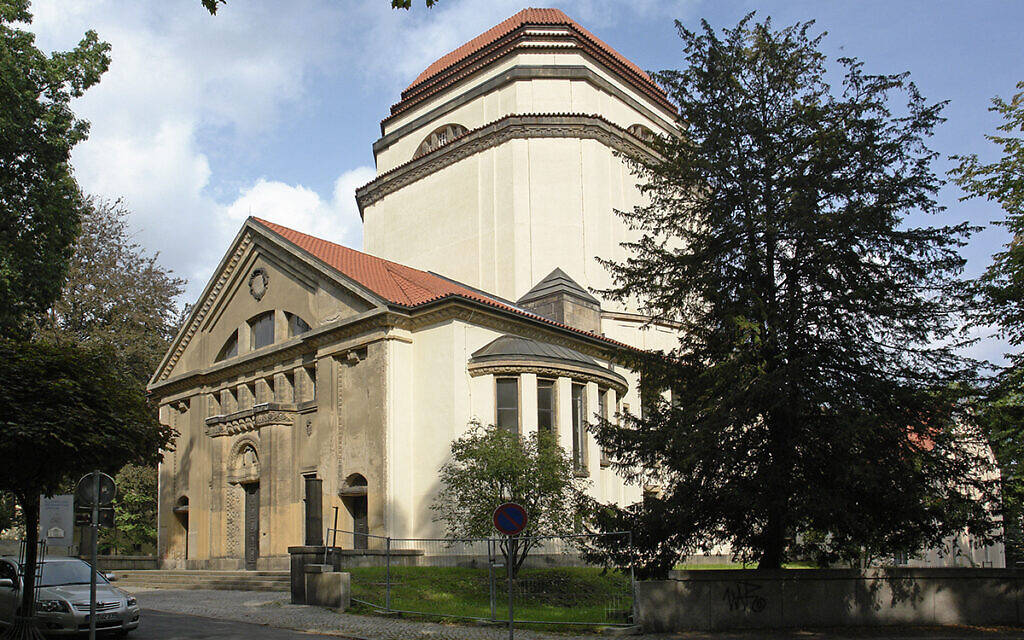 Exterior of the Goerlitz Synagogue, September 1, 2006. (CC BY-SA 3.0/ Hans Peter Schaefer/ GNU FDL)
