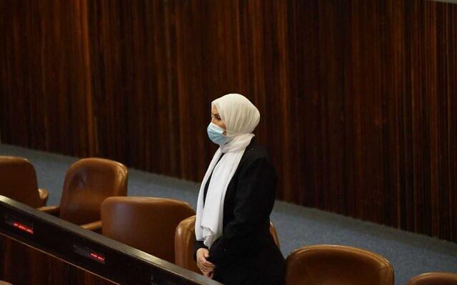 Ra'am MK Iman Khatib-Yasin is sworn in as a Knesset member on August 31, 2021. (Danny Shem-Tov/Knesset Spokesperson)