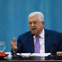 Palestinian Authority President Mahmoud Abbas delivers a speech at the Palestinian Authority headquarters in Ramallah on May 5, 2020. (Flash90)