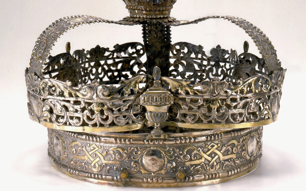 18th-century Torah crown from Nuremberg, Germany. (Photographer: John Parnell, Photo © The Jewish Museum, New York)