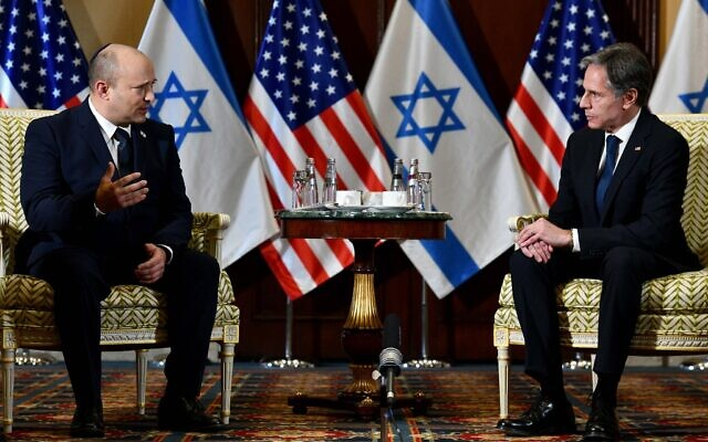 Prime Minister Naftali Bennett (L) meets with US Secretary of State Antony Blinken at the Willard Hotel in Washington on August 25, 2021. (Avi Ohayon / GPO)