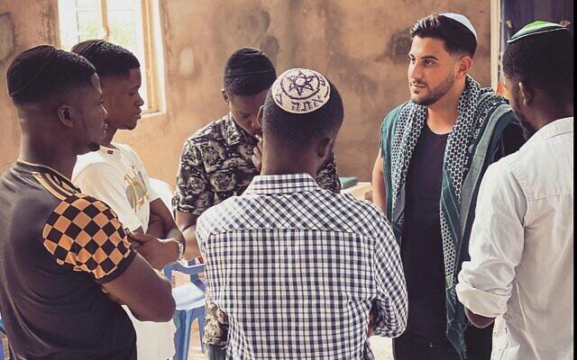 Filmmaker Rudy Rochman speaks to Igbo Jewihs youth, July 2021 (courtesy)