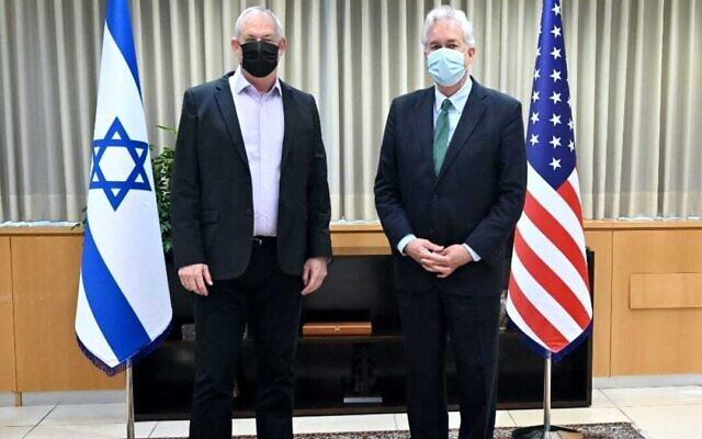 Defense Minister Benny Gantz (left) meets with CIA chief William Burns in Tel Aviv on August 11, 2021. (Ariel Hermoni/Defense Ministry)