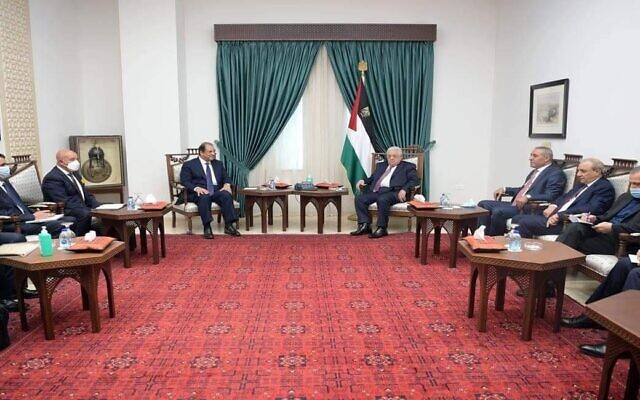 Abbas Kamel, the director of the Egyptian General Intelligence Directorate, meets with Palestinian Authority President Mahmoud Abbas in Ramallah on August 18, 2021. (WAFA)